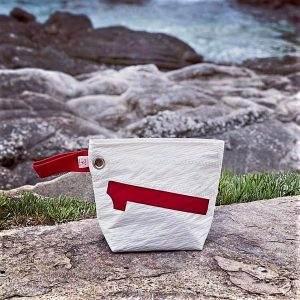 trousse en voile recyclée n°1 rouge avant