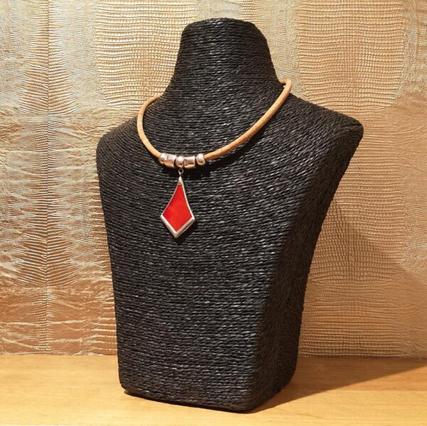 Collier Totem Rouge