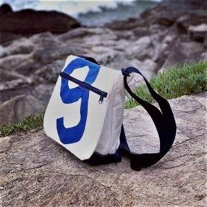besace voile recyclée n°9 bleu côté